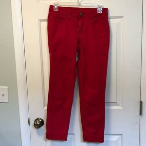 Red GAP crop pants